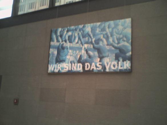 affiche du mur de berlin